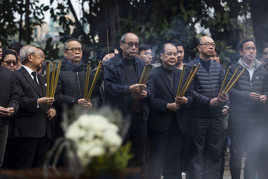 路祭在2月11日下午4時許進行,政務司司長張建宗帶領官員出席。(ISAAC LAWRENCE/AFP/Getty Images)