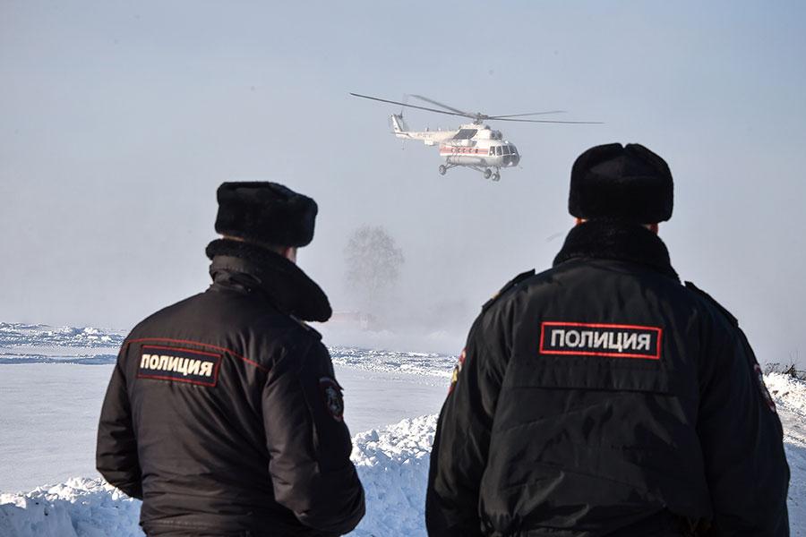 這次搜索行動動員了900多人,使用了包括無人機等各種設備。(VASILY MAXIMOV/AFP/Getty Images)