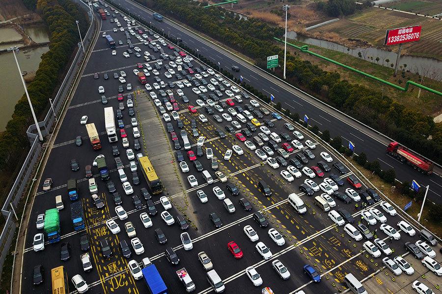 年前返鄉高潮 廣東高速車龍長達22公里