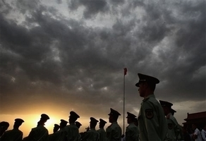 中共軍方的人大代表名單未公佈的背後