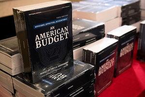 白宮公佈2019財年預算 國防支出增9%