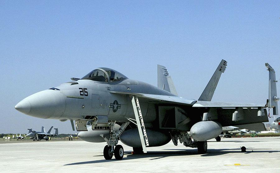 外傳台灣空軍有意採購美國「大黃蜂」戰鬥機F/A-18,加強台灣空優戰力。(Koichi Kamoshida/Getty Images)