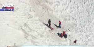 登山者雪山墜落700英尺 直昇機驚險救援