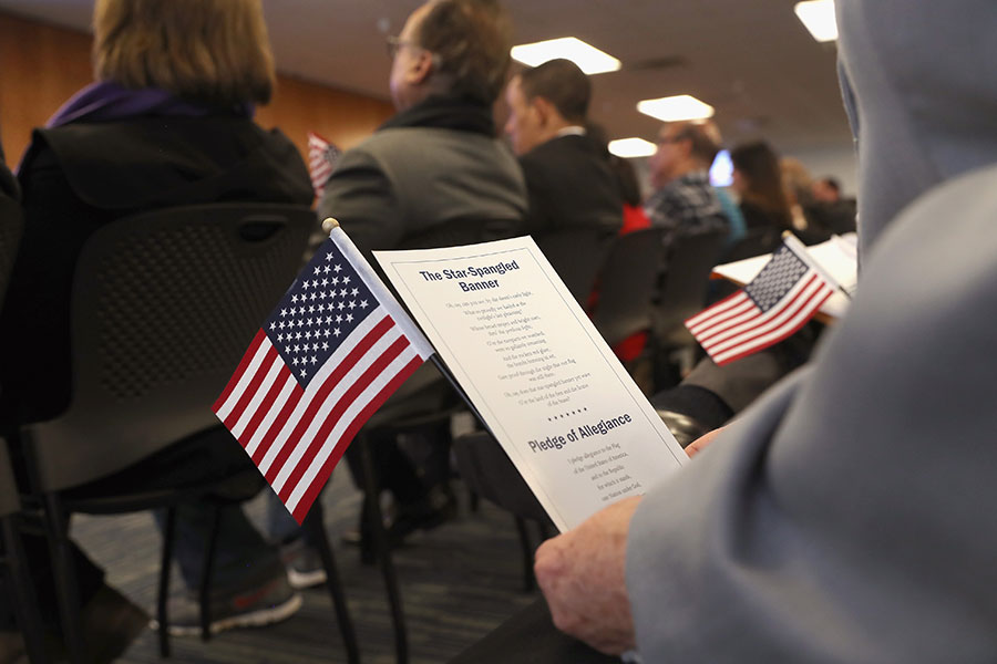 美國國務院(DOS)2018年2月13日公佈3月移民排期簽證公告。(John Moore/Getty Images)