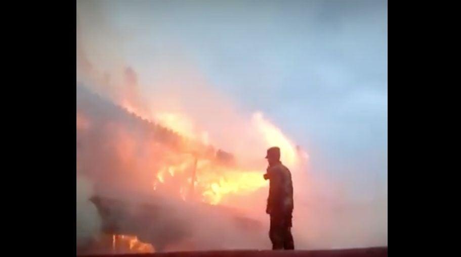 拉薩大昭寺17日晚突發火災。(視像擷圖)