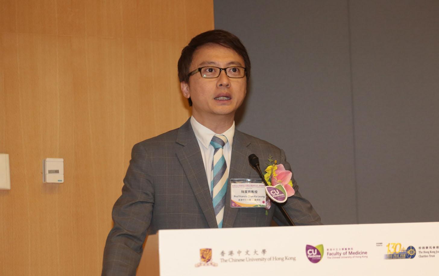 陳家亮在文中呼籲市民,體諒和尊重堅守崗位及無私付出的醫生。(中大醫學院圖片)