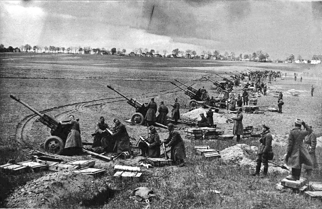 1945年蘇聯紅軍出兵中國滿洲(東北地區)以及北朝鮮,展開粉碎日本關東軍的軍事行動,同時也在中國東北和華北部分地區、朝鮮部分地區犯下嚴重罪行。(AFP)