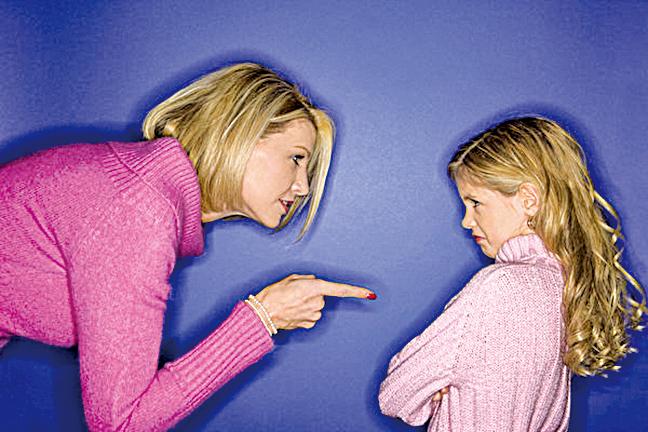 家長應最大限度地表達你對孩子的欣賞,而不是不斷地糾正、教導、喊叫、抱怨或是斥責。(photos.com提供)