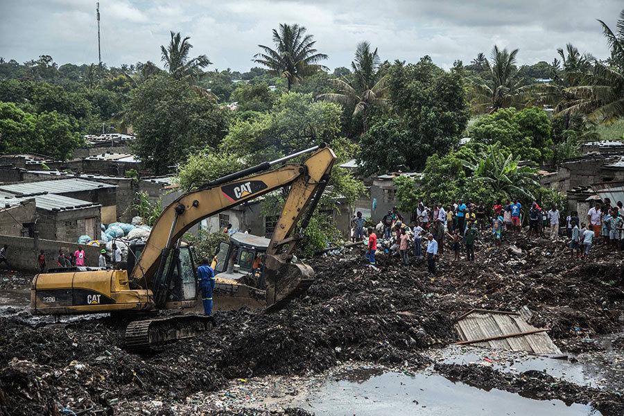 莫桑比克15米高垃圾堆倒塌 掩埋7房屋17死