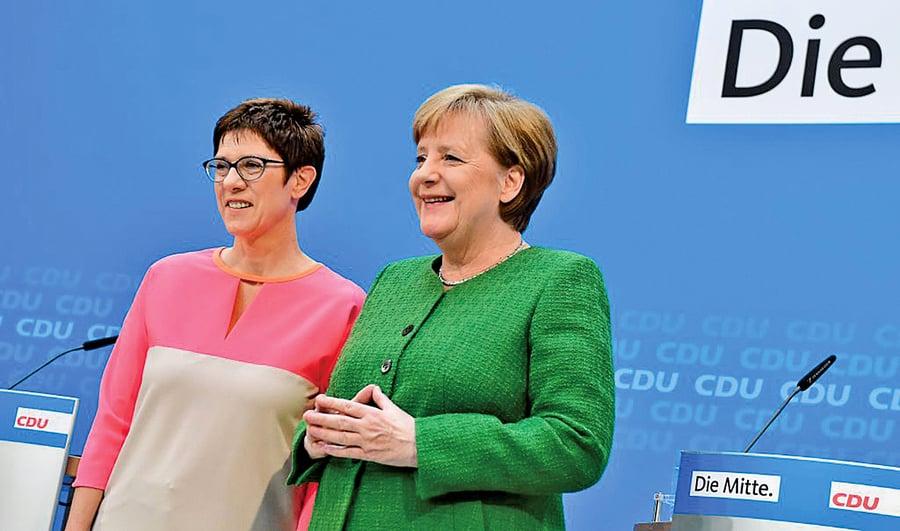 德國總理默克爾向公眾介紹「接班人」