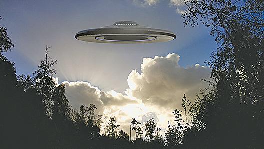 美現神秘UFO F-15戰機升空攔截