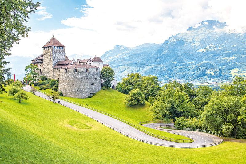 列支敦士登公國的著名皇家宮殿──瓦杜茲城堡。