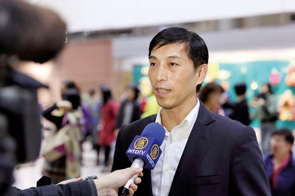 美國神韻國際藝術團抵達台灣受到粉絲熱烈歡迎,舞蹈編導陳永佳接受採訪(林仕傑/大紀元)