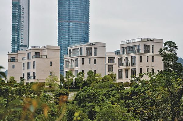山頂樓王11億售深圳富豪父子