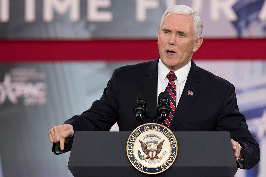 美國副總統彭斯周四表示,2017年是保守派運動史上最重要的一年,特朗普總統努力實踐諾言,完成亮眼政績,「美國回來了」。(AFP PHOTO/JIM WATSON)