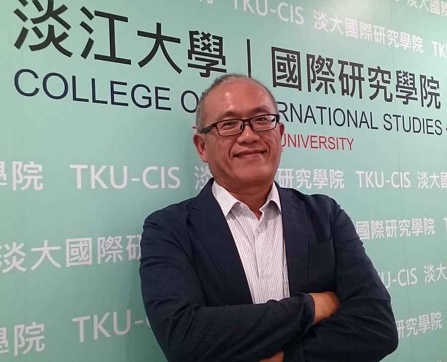 淡江大學中國大陸研究所副教授陳建甫表示,對於特殊重大兩岸關係議題,閱聽眾須冷靜多方涉獵媒體資訊。(擷自陳建甫Facebook)
