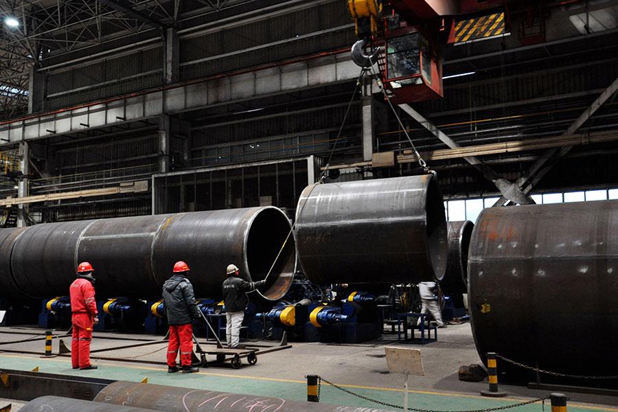 知情人士透露,美國總統特朗普有可能決定對所有鋼材及鋁材課徵高額關稅,並在三月中旬前宣佈。(AFP/Getty Images)