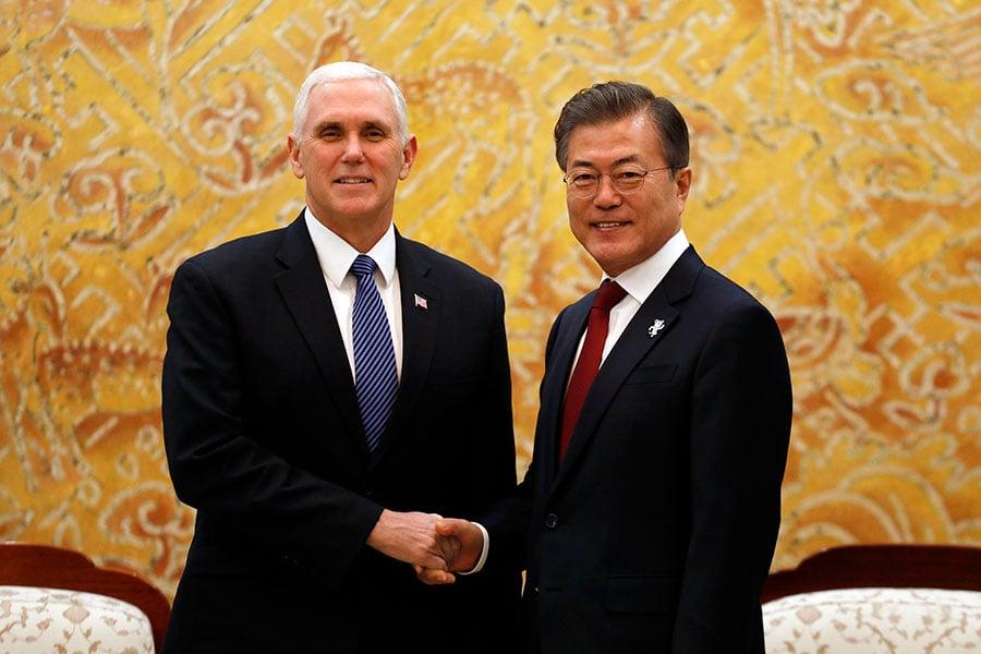 北韓釋出願意與美國會談的意願,周日,白宮表示,任何談判都必須以朝鮮半島無核化為目標。周一,南韓總統文在寅再促美朝會談。(Woohae Cho/Getty Images)