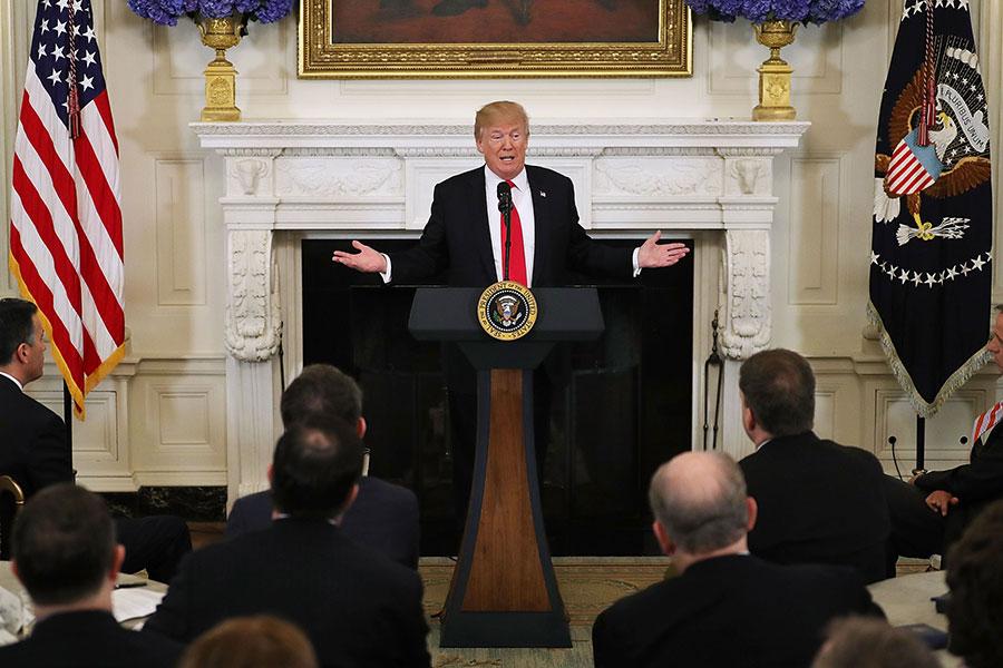 2018年2月26日,美國總統特朗普在白宮與各州州長進行會談時表示,只有在正確的條件下,美國才會與北韓對話。(Chip Somodevilla/Getty Images)