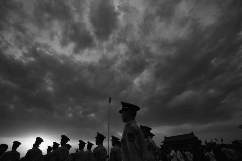 習近平的「大內總管」丁薛祥、證監會主席劉士余及中共官媒分別提「篡黨奪權」。(Feng Li/Getty Images)