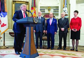 華日:白宮貿易鷹派獲晉升