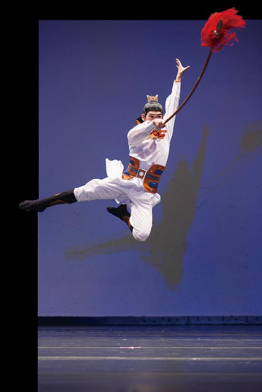 第五屆「全世界中國古典舞大賽」銀獎得主李寶圓表演三國時期蜀漢名將趙雲《單騎救主》的故事。(愛德華/大紀元)
