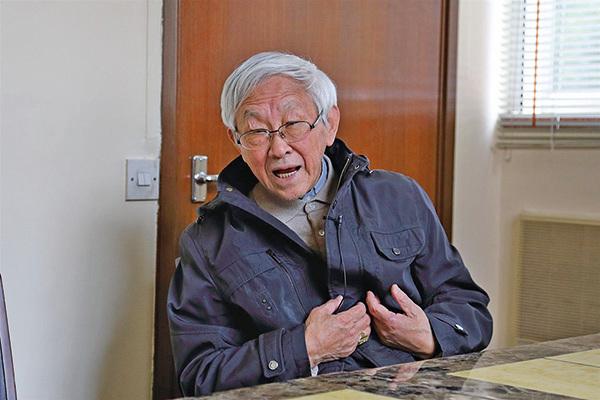 天主教香港教區榮休主教陳日君樞機認為當局應正視青關會滋擾法輪功的問題,不應令香港沉淪。(李逸/大紀元)