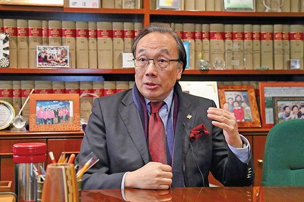 公民黨主席梁家傑認為青關會在港煽動仇恨行為應予以譴責。 (李逸/大紀元)