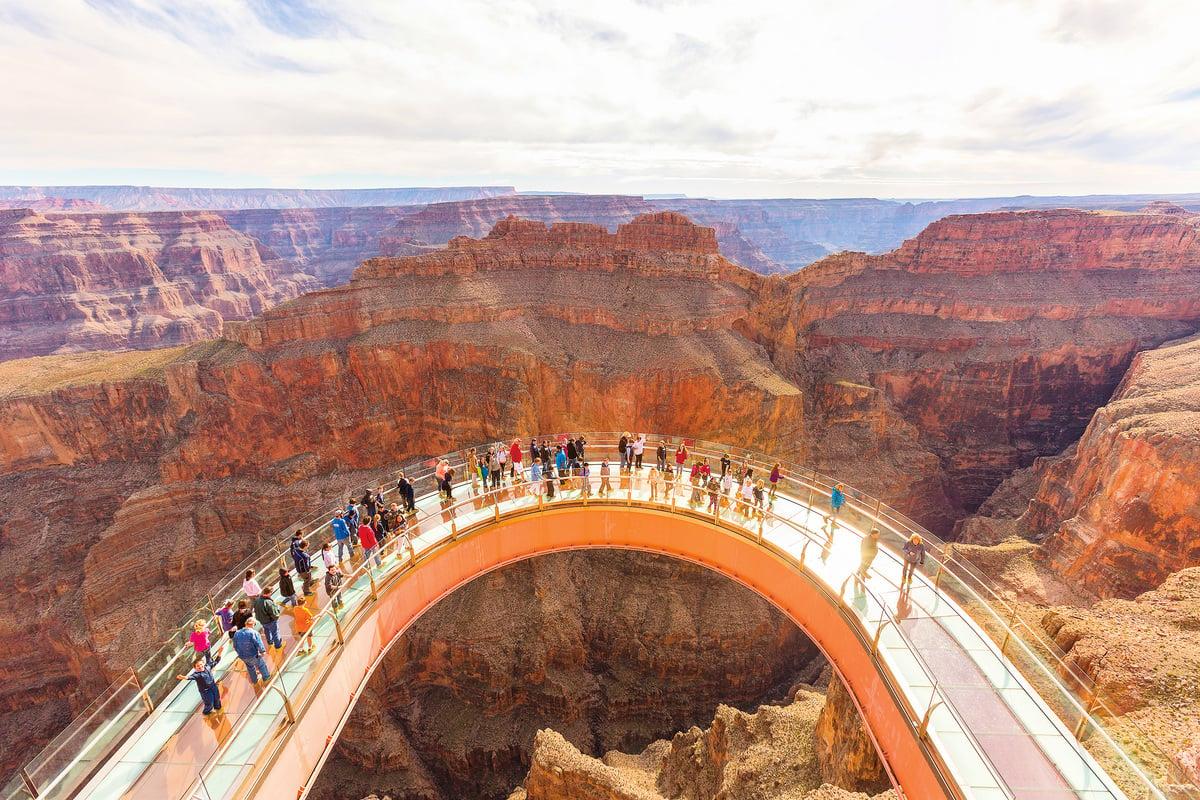 大峽谷天空步道 Skywalk(大峽谷U型玻璃橋)。