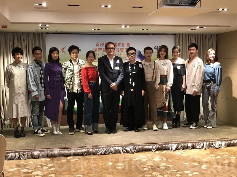 香港電影美術學會副會長劉天蘭任「星.勢.力」總監,率5位時裝設計師及5位電影服裝指導為10位新演員打造星級新形象。(王文君/大紀元)