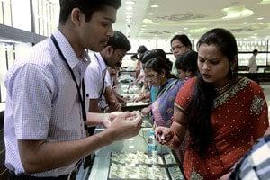 印度時隔五季後 經濟增長率再超中國