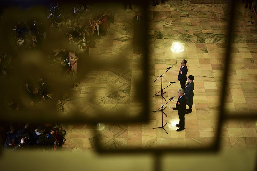 又到中共「兩會」季,與普通中國人毫無關係的政治秀在既定的戲碼中拉開了大幕。(WANG ZHAO/AFP/Getty Images)