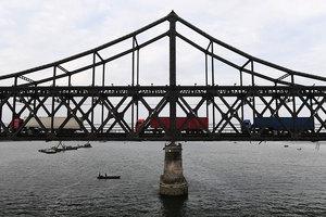 美媒:經濟制裁下 赴華北韓貨車空車率大增