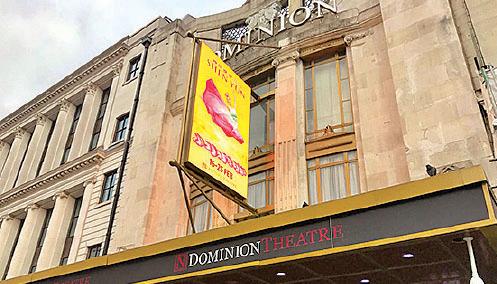 倫敦掀起搶購神韻門票熱潮,原訂的10場演出,最後追加到14場,以滿足觀眾熱情需求。(大紀元)