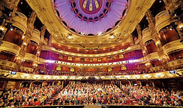 2012年倫敦演出場地倫敦大劇院。(London Coliseum)。(劇場提供)