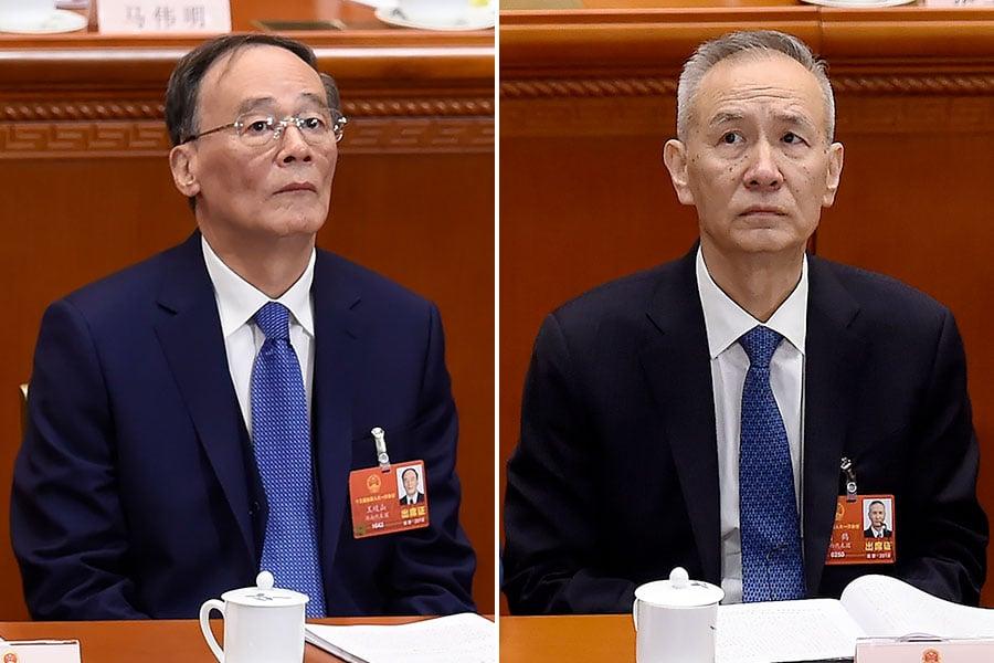 日前,在中共人大一次會議上,他與中財辦主任劉鶴的互動引關注。圖為3月5日舉行的中共人大一次會議。(WANG ZHAO/AFP/Getty Images/大紀元合成)