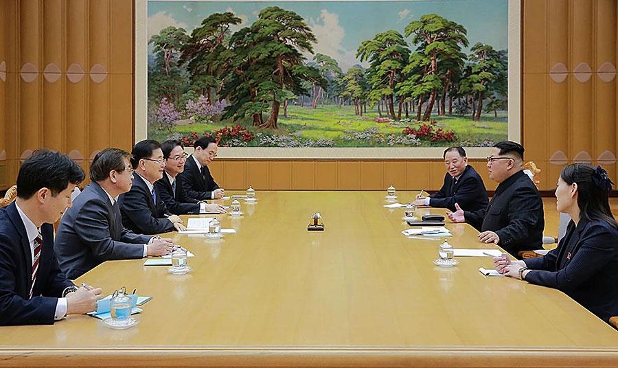 周二,南韓政府表示,北韓願意討論放棄核武,並在與美國及南韓進行直接會談時,凍結核武及導彈計劃。(South Korean Presidential Blue House via Getty Images)