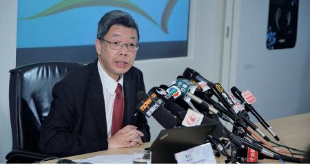 香港貿發局昨日公佈環球聖誕銷情,多個國家銷情都有增長。貿發局環球市場首席經濟師潘永才又預計,大陸市場推動的國民消費政策,對來年香港銷售有利。(宋祥龍/大紀元)