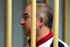 俄前雙面間諜離奇中毒 英派軍隊支援調查
