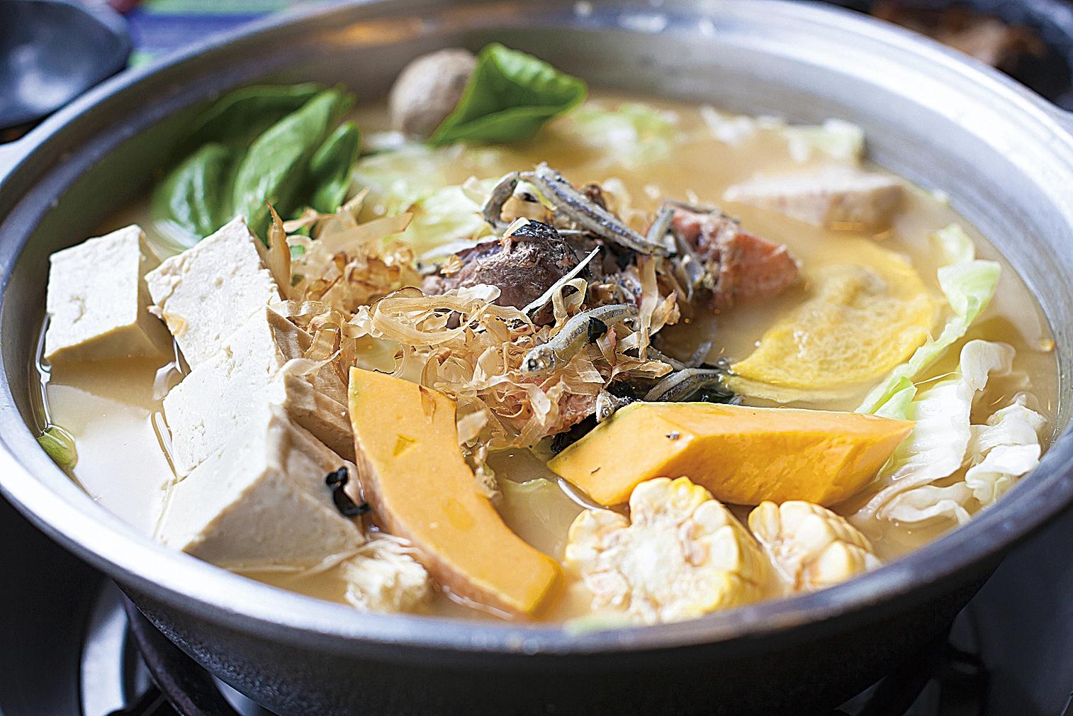 具有日本風味的味噌鍋。