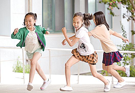 首爾蘆原區新溪小學的學生。(newsis)