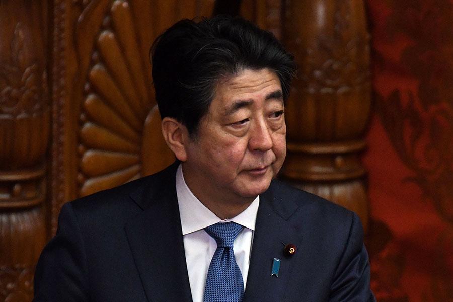 日本首相安倍晉三在3月9日表示,他將於4月赴美與美國總統特朗普討論北韓問題。(TORU YAMANAKA/AFP/Getty Images)