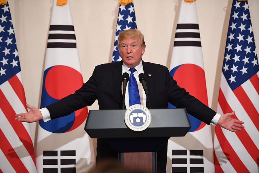 美國總統特朗普2017年11月8日批評金正恩是「殘暴的獨裁者」、北韓是一個「被邪教統治的國家」。同時警告北韓「別來測試我們」。(Getty Images)