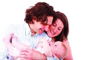 肌膚接觸益於新生兒大腦發育