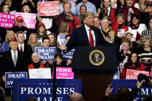 特朗普首度亮出2020年競選口號