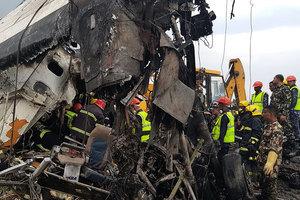 孟加拉客機尼泊爾墜毀 至少49死