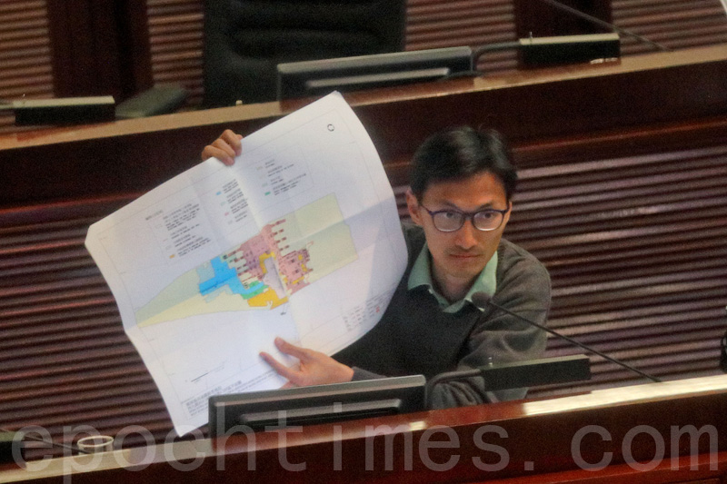 朱凱廸則指早前立法會議員參觀高鐵西九龍總站時,只接觸少於百分之一的邊界,並無確認全部邊境分界,議員難以在未確認全條邊界下通過草案。(蔡雯文/大紀元)