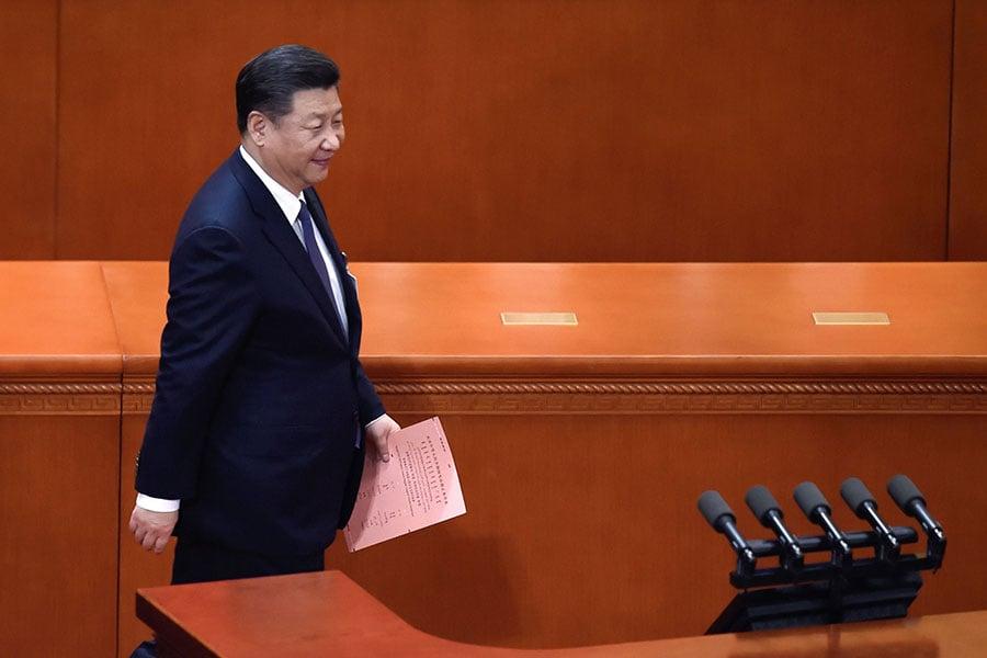有韓媒認為,在沒有「跛腳鴨」的狀態下,習近平會在自己信任的第六代接班人集團充份積累業績後,提前交出權力。(WANG ZHAO/AFP/Getty Images)