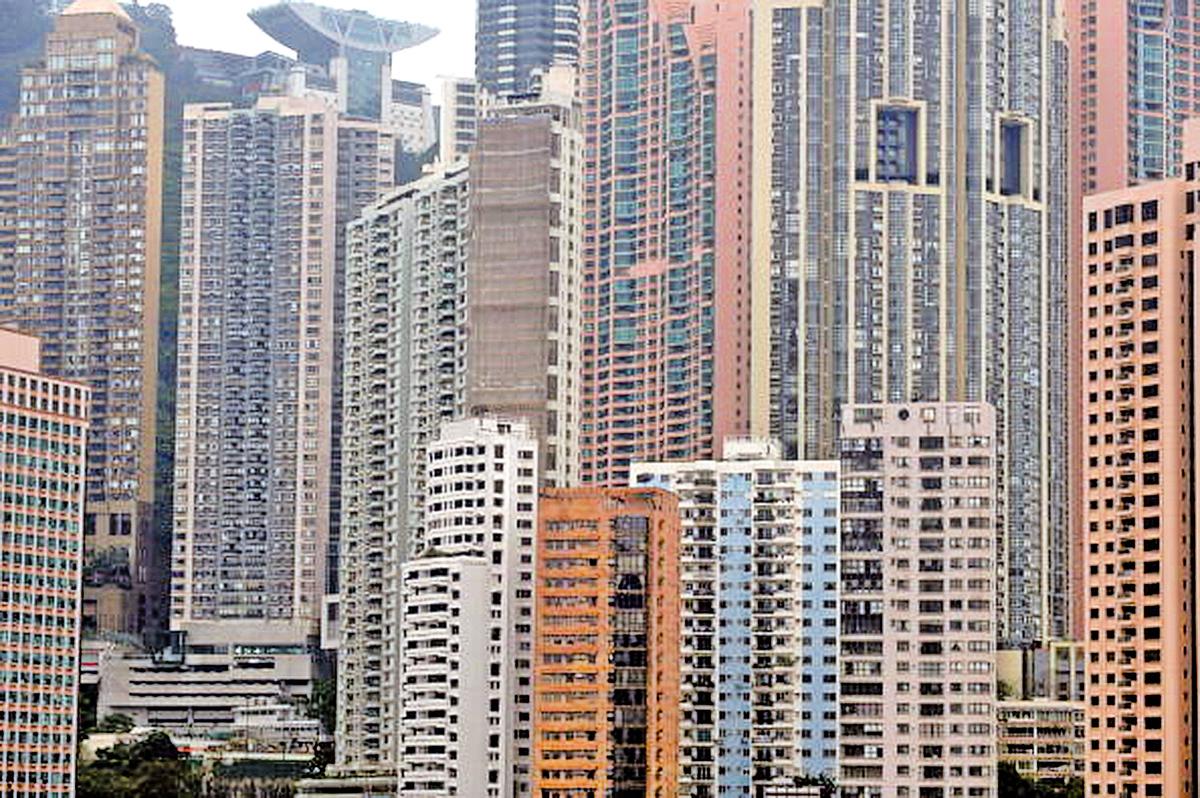 本港豪宅主要集中在港島半山區。(MIKE CLARKE/AFP/Getty Images)