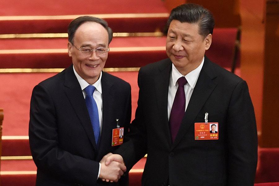 3月17日,王岐山(左)出任中共國家副主席。(Lintao Zhang/Getty Images)